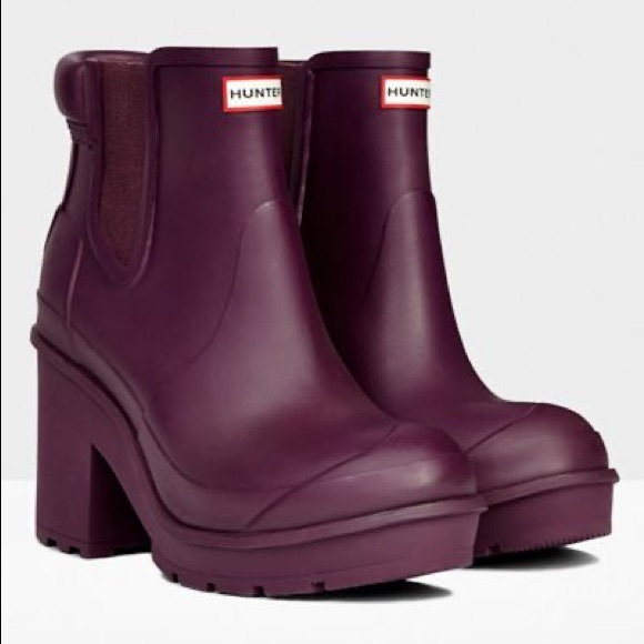 Hunter purple Chelsea boots size 8 with heel